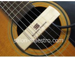 Установка магнитного датчика в резонаторное отверстие гитары