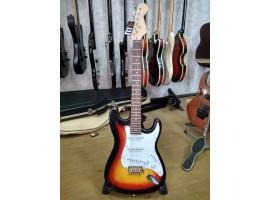0929 Практически Новая Электрогитара Stratocaster